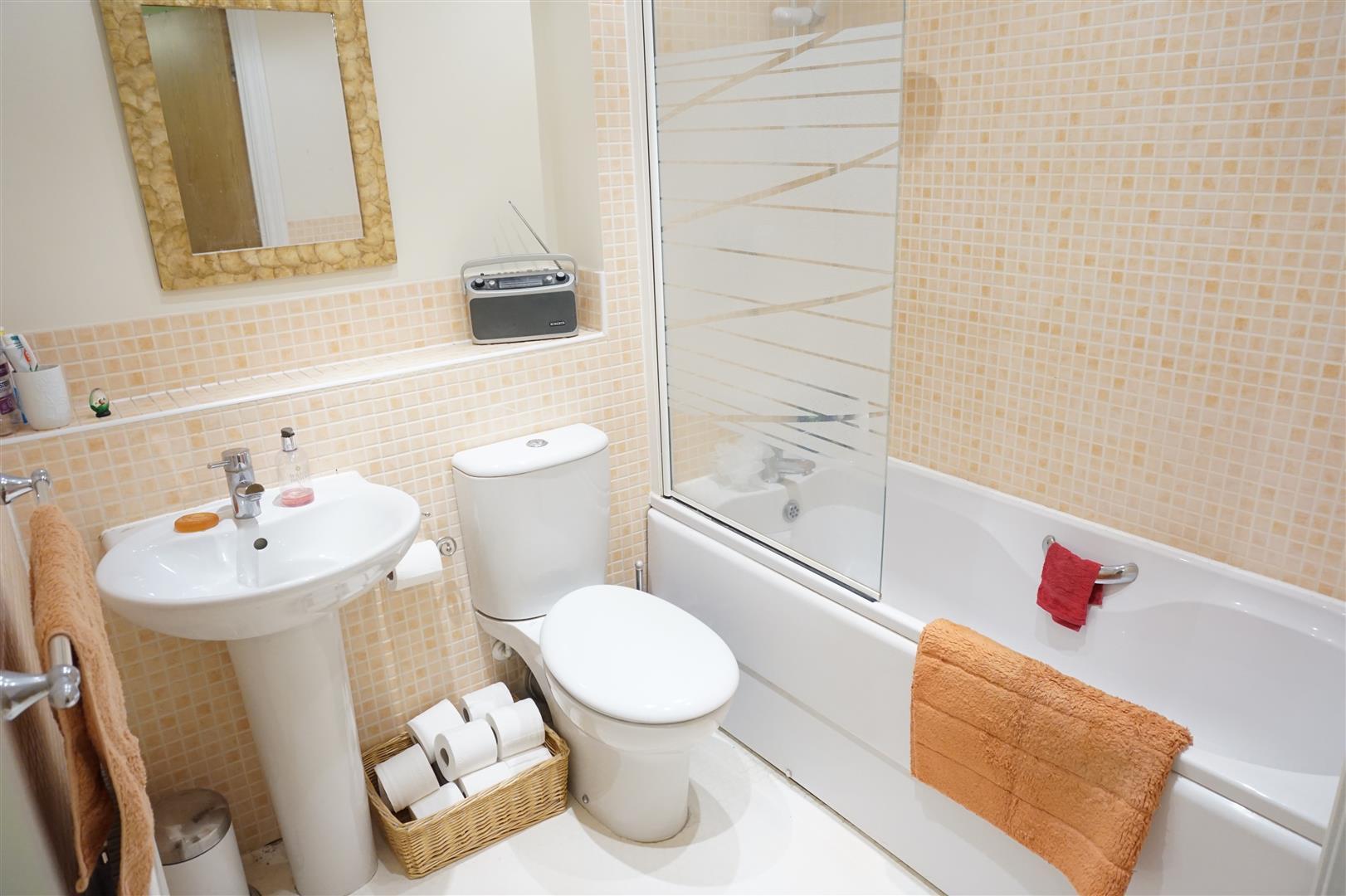 Linen tile bathroom